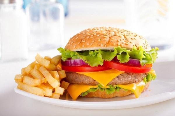 Ẩm thực Mỹ nổi tiếng vì hamburger