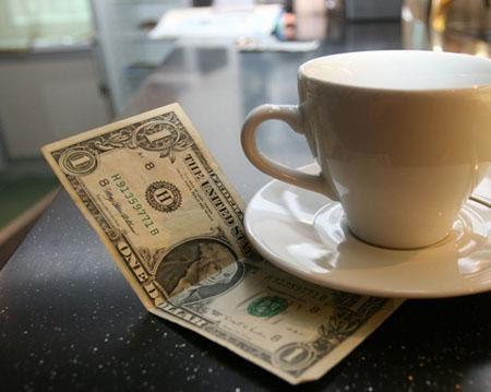 Tiền tip cho nhân viên phục vụ